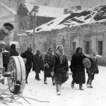 Muscovites fleeing the city, Winter 1941