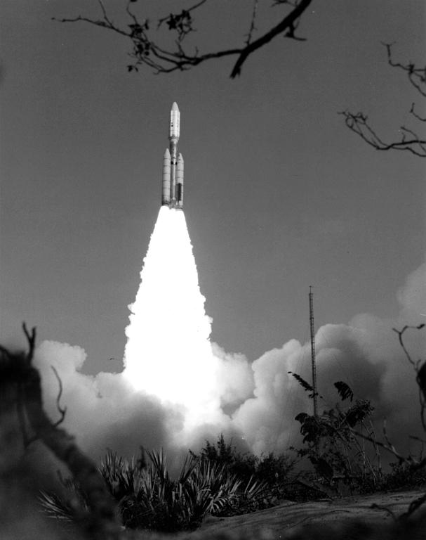 voyager 2 launch - photo #8