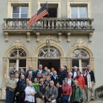 Tourgoers at Chateau de Bernaville