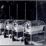 Second generation versions of Kolff's dialyzer, these machines used cellophane tubes in place of sausage casings.